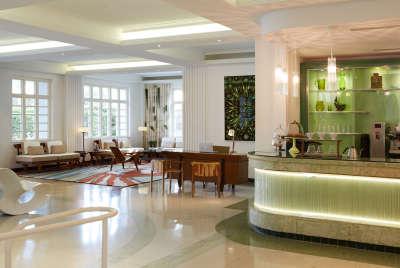 Lobby Lounge and Coffee Bar