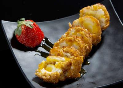 Restaurante Takasu - Tempurá de Sorvete com calda de laranja