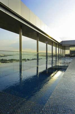 Hotel Hilton Barra Rio de Janeiro_Piscina_crédito Alexander Landau