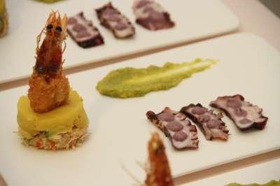 causa de cangrejo y pulpo al olivo