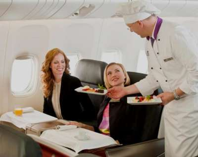 catering-service-chef-on-board_01
